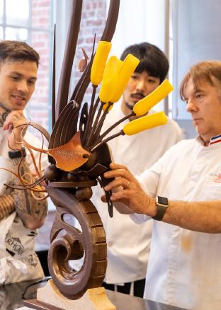 Valrhona Artistic Showpiece Chocolate Class